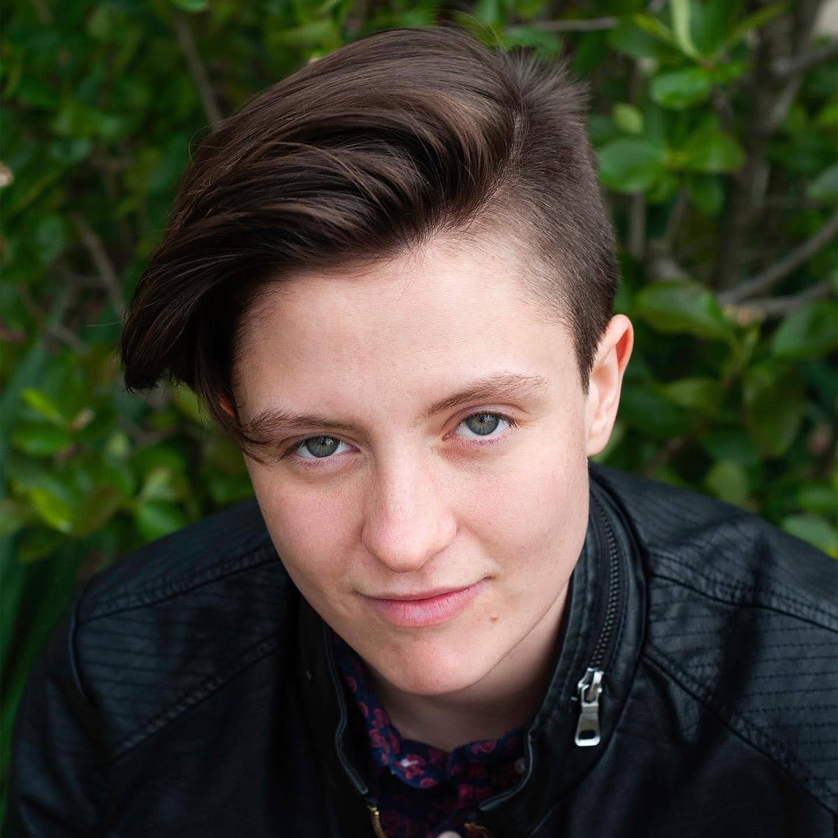Madeleine Davison headshot